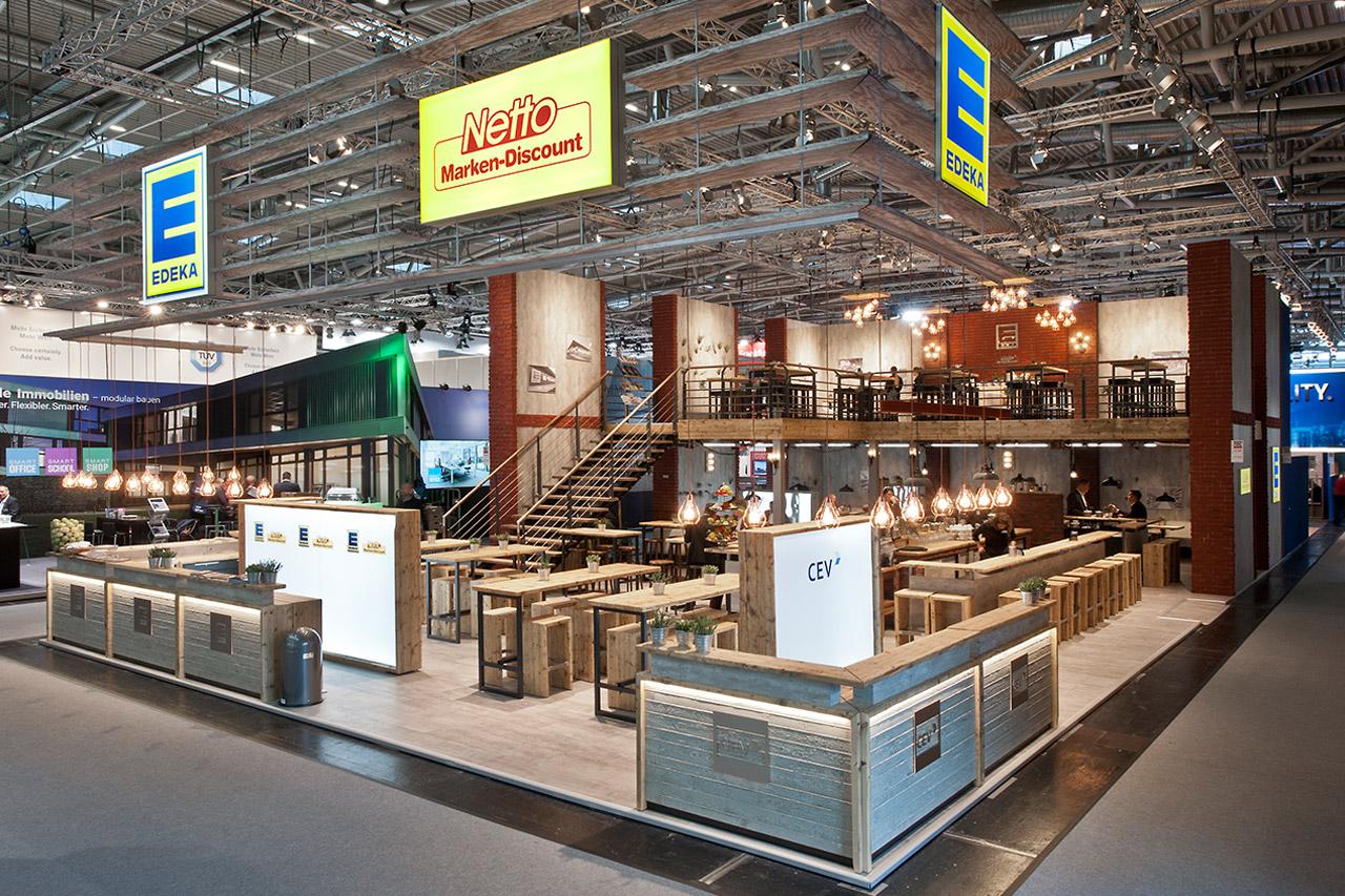 Messestand mit Doppelstock-Messebau Bewirtungsbereich Hannover