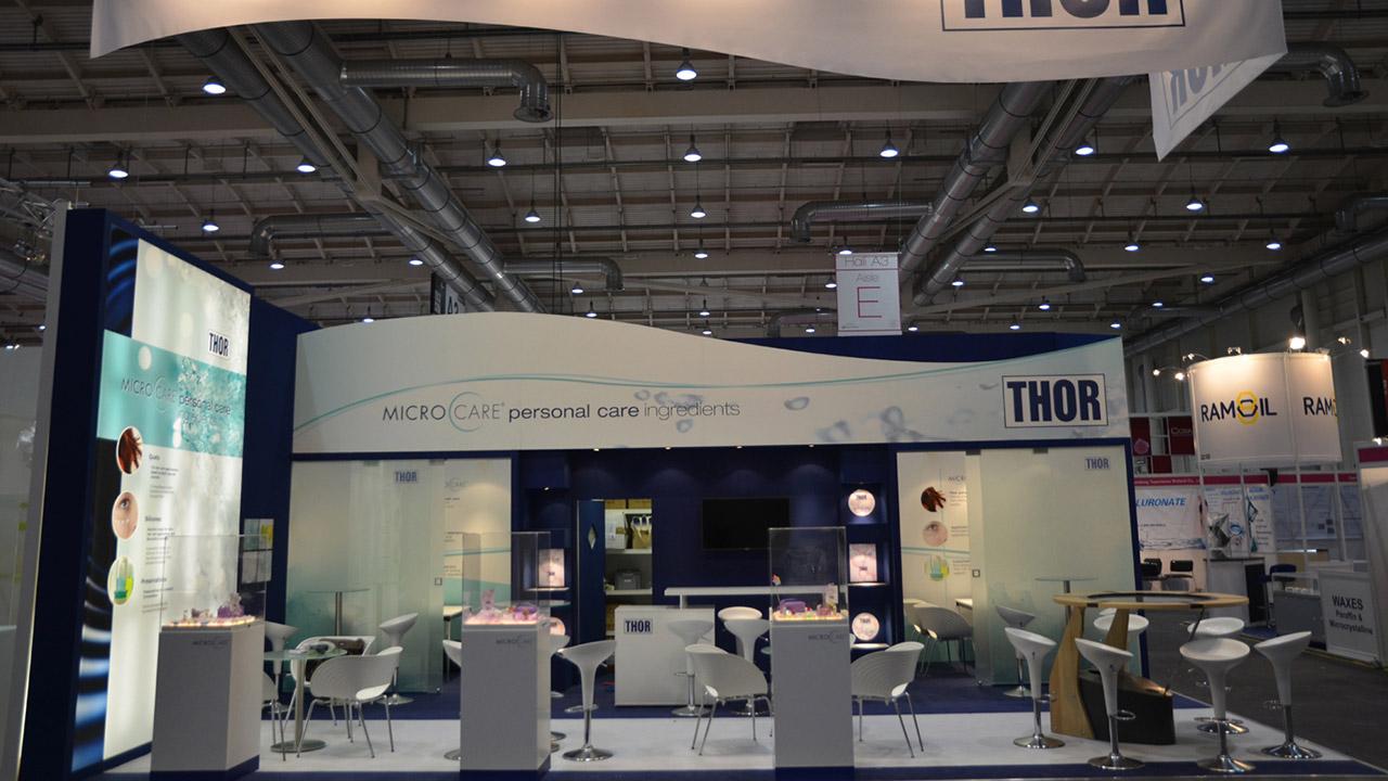 Messestand mit Theke, Kabine und vollständiger Ausstattung - Messebauer Frankfurt